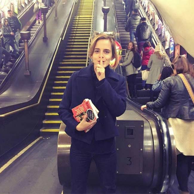 Emma-Watson-books-a